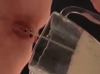 Sex Sklavin pisst geil