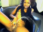 Sexy Ebony Girl pisst