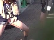 Asia Schulmädchen pissen öffentlich