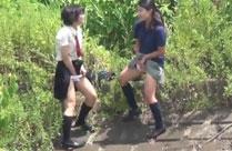 Pissende Schulmädchen heimlich gefilmt