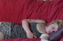 Im Schlaf in die Hose pissen