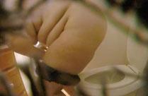 Fette Oma auf ihrer Toilette gefilmt