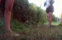 Junge Mädchen beim Pissen heimlich gefilmt